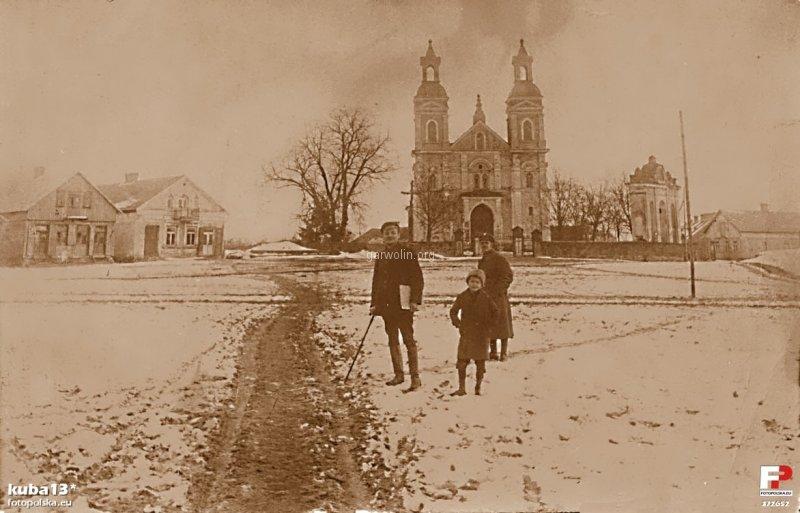 6. nek i kościół w tle. Źródło fotopolska.eu