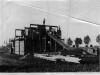 98. Budowa domu na ul. Targowej 25 w czerwcu 1936 roku. W tle po lewej kościół Przemienienia Pańskiego. Zdjęcie udostępnił Mateusz Zieliński