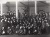 51. Choinka dla biednych dzieci z miasta Garwolina na terenie 1 Pułku Strzelców Konnych 25 XII 1932. Źródło internet.