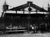103. Trybuna w czasie święta pułkowego w koszarach w 1932 roku. Zdjęcie udostępnił Mateusz Zieliński