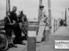 128. A tymczasem zdjęcie od Mateusza Zielińskiego przedstawiające Saturnina Zborowskiego (drugi z lewej) na moście w Garwolinie - lata 40-te, XX wieku.