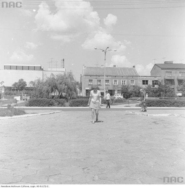136. Centrum miasta. Widoczne m.in. budynki. Czewiec 1973r.jpg