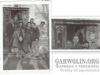 127.Zdjęcie pracowników Magistratu Miasta Garwolin przed wejściem do budynku. Niby zwykłe zdjęcie, ale naszą uwagę przykuły drzwi - piękne, drewniane zdobienia. Tych drzwi już nie ma, zostały zastąpione nowoczesnymi. Zdjęcie nadesłał Marek Banaszek