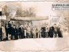 """141. Fotografia przedstawiająca otwarcie szpitala w Garwolinie. Nie znana nam jest dokładna data otwarcia szpitala. Ale z transparentów odczytujemy że został pobudowany w ramach """"planu trzyletniego"""" 1947-1949. Udostępnił: M. Wichowski"""