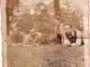 55. Grupa z Miętnego - wśród nich p. Antonina Kot z d. Duchna. Zdaje się, że zdjęcie zostało wykonane niedaleko dworu w Miętnem - zdjęcie udostępniła p. Rozum