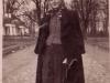 87. Stanisława Wasilewska na mostku w Miętnem w 1944 roku. Zdjęcie będzie jeszcze opisywane. Udostępniła p. Sztarbała