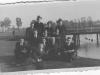 1. Z opisu zdjęcia wynika iż zostało wykonane przy moście w Niecieplinie. Ze zbiorów r. Piesio