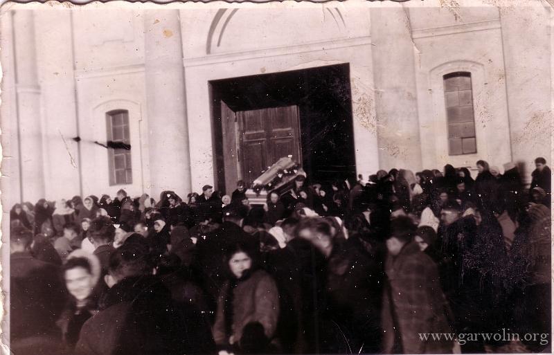 6. Pogrzeb w Parysowie
