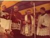 Wmurowanie kamienia węgielnego pod budowę kościoła 04.06.1978, od lewej ks. Geniusz, bp Jan Mazur, abp Luigi Poggi. Ze zbiorów Krzysztofa Gawrysia