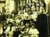 1. Szkoła w Sobolewie, nauczyciele i uczniowie. Fotografia z 1937 roku. Udostępnił S. Proczek