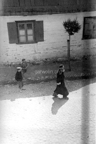 Dzięki jednemu z naszych czytelników ustalone zostało że zdjęcie nie pochodzi z Żelechowa, tylko z Żychlina. Ze zbiorów Jana Szczypka.