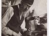 36. 'A Garvoliner tinsmith.' - Garwoliński blacharz. Fotograf: Kacyzne, Alter (1885-1941) Źródło: polishjews.yivoarchives.org