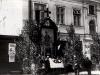 42. Boże Ciało - ołtarz straży pożarnej 31 V 1934r. Źródło internet