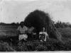 102. Rodzina Zborowskich w okolicach ul. Targowej w Garwolinie w 1936 roku. Zdjęcie udostępnił Mateusz Zieliński