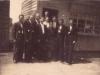 114. Na ulicy Garwolina przed sklepem, pierwszy z lewej Edward Gora, lata okupacji