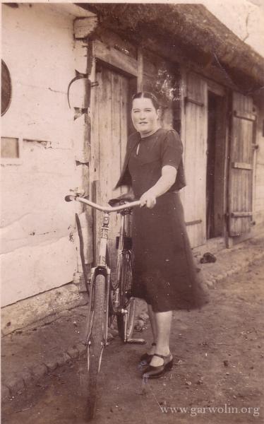 pani-z-rowerem