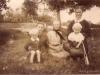 75. Rodzinne przy mostku. Zdjęcie będzie jeszcze opisywane. Udostępniła p. Sztarbała