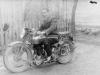 Mężczyzna na motorze. Ze zbiorów Stefana Siudalskiego