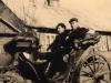 Rok 1947. Unin. Józef Domarecki i Tadeusz Adamczyk Zdjęcie zrobione przed domem Sucheckich. Fotografie ze zbiorów E. Domareckiej