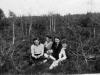 Rok 1946. Unin. Genowefa Piesiewicz (z Garwolina), Irena i Julia Grabowskie (Julia później Domarecka), Tadeusz Zalewski (z Garwolina), Józef Domarecki. Fotografie ze zbiorów E. Domareckiej